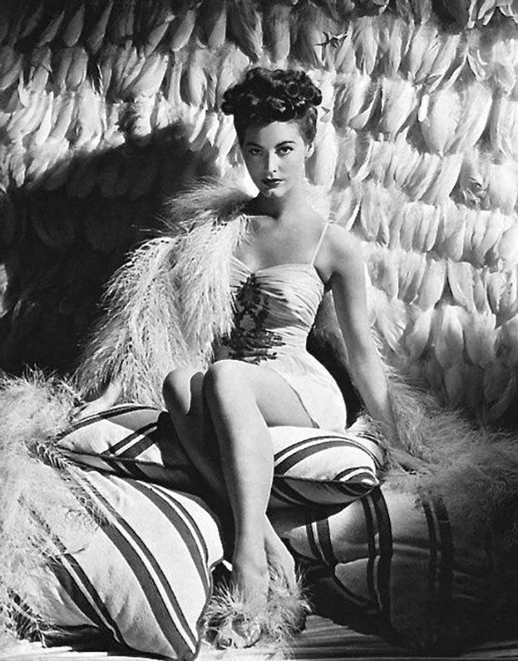 Actress Ava Gardner – a 1940s pin-up star. bedroom