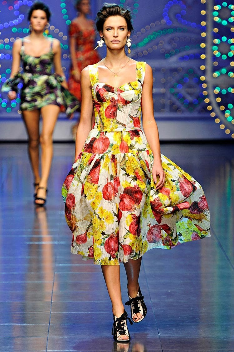 Dolce Gabbana Fruit print fashion (2)