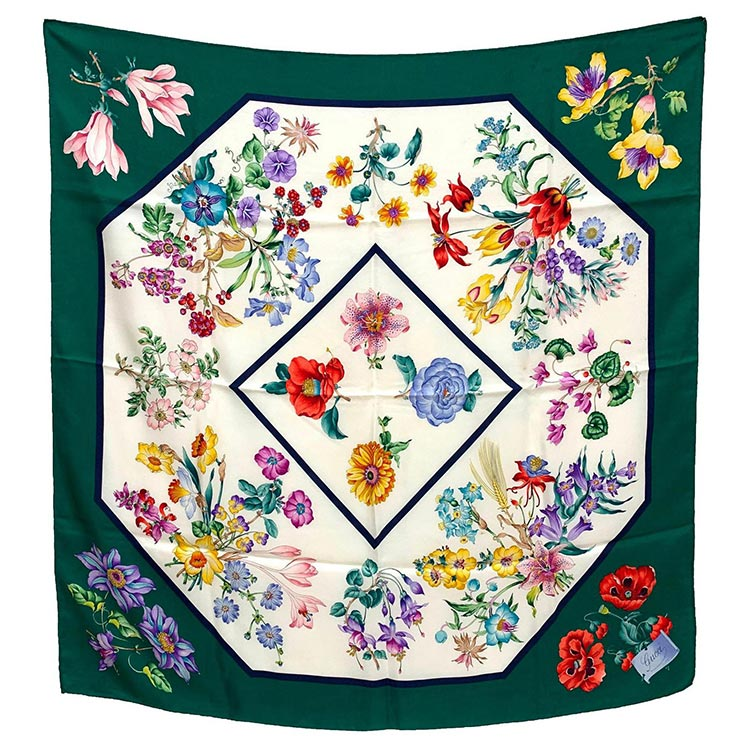 ditsy florals, saccharine colours, and girlish silhouettes Gucci Vintage scarf (2)