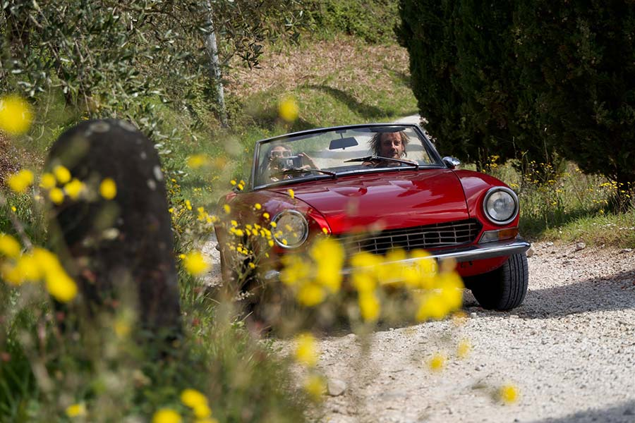 Fiat 124 Spider Tuscany made in italy Gracie Opulanza (1)