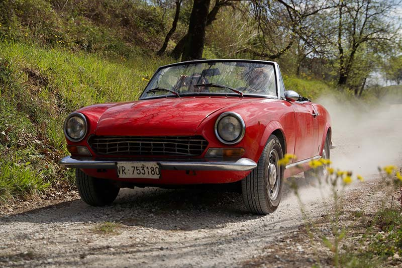 Fiat 124 Spider Tuscany made in italy Gracie Opulanza (2)