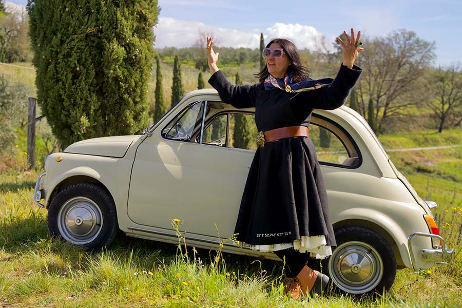 Fiat 500 - Tuscany Lifestyle Tips Fiat spider classic cars Gracie Opulanza 2021 (5)