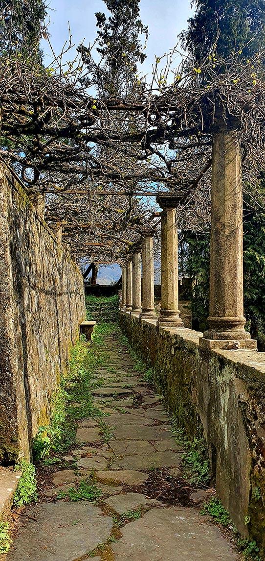 tuscany villa al fresco dining