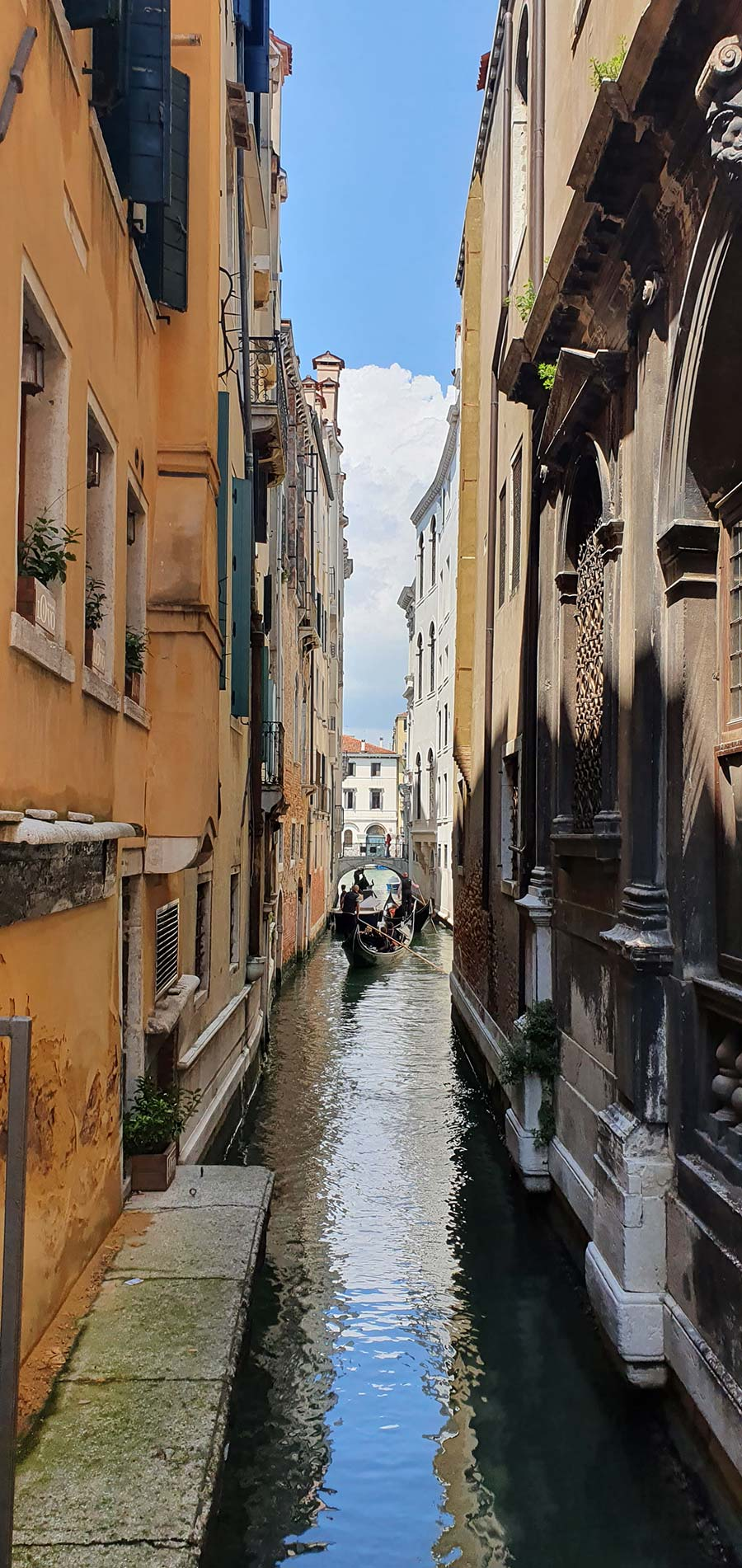 Gondola Style venice 2021 Italy Gracie Opulanza Venezia (2)
