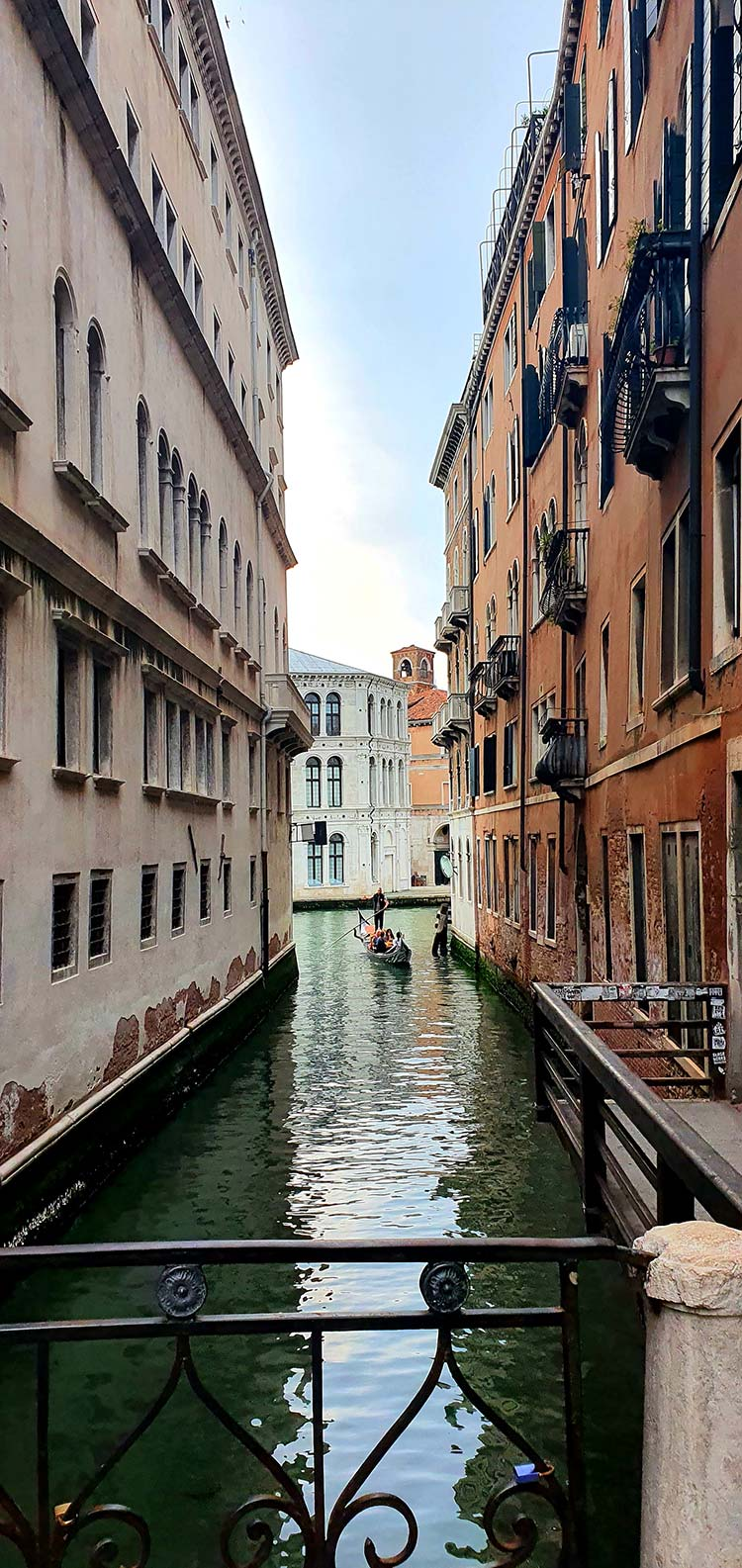 Gondola style in Venice 2021 (2)