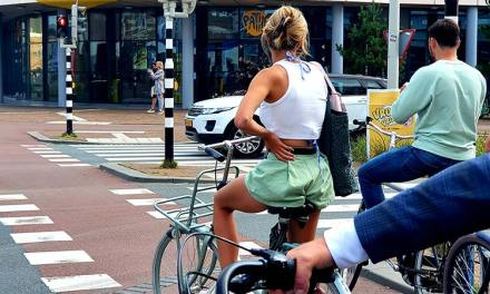 Fashion For Fifties – Holland Cycling Style Tips