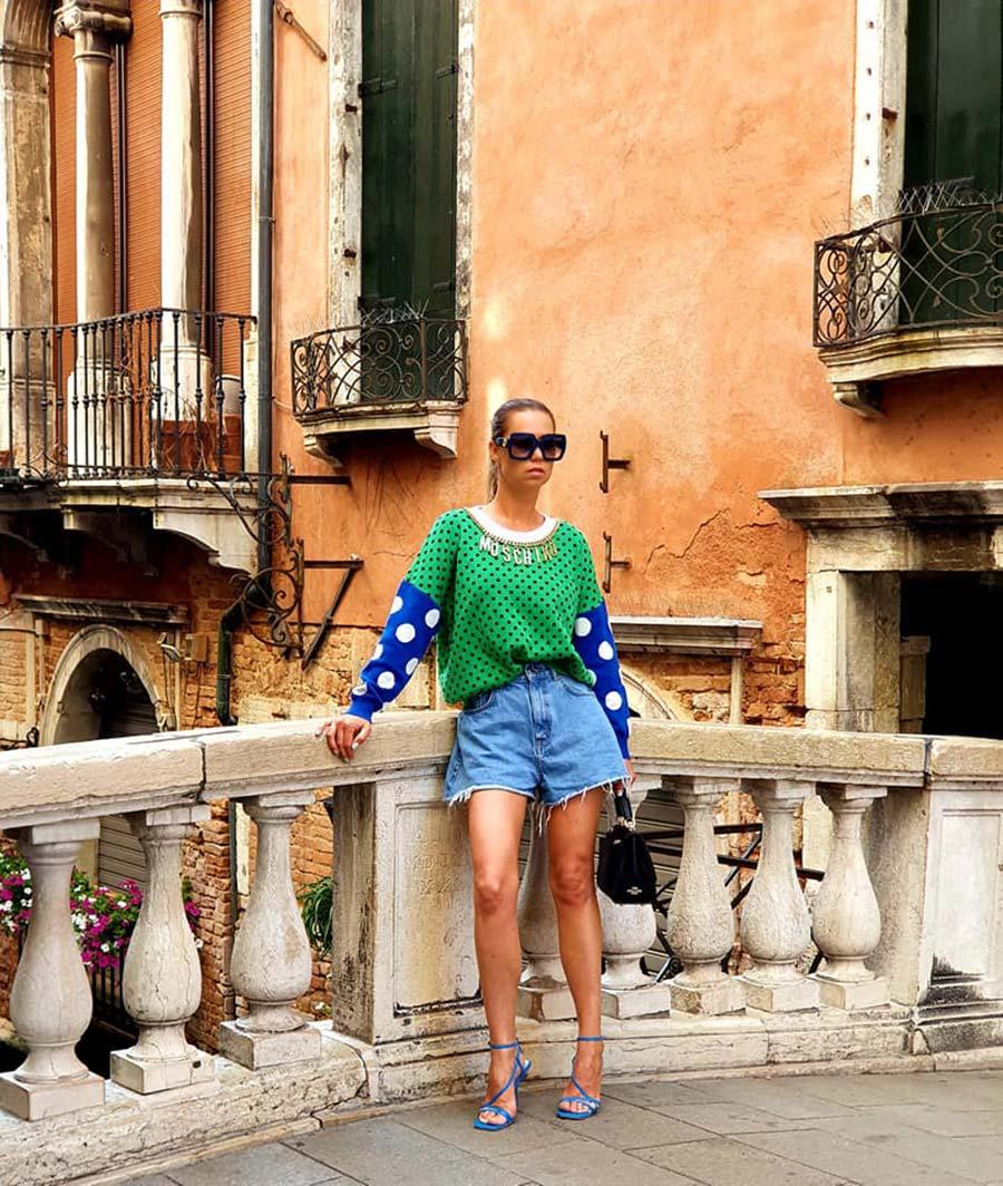 Venice Italian women wearing high heals