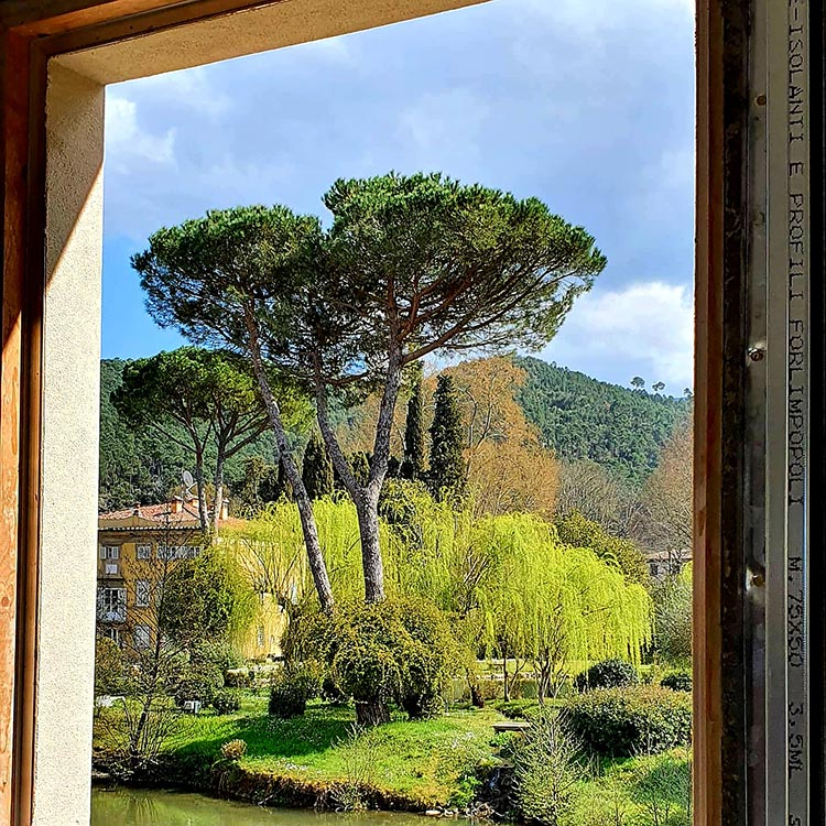 Lucca Italy villa view