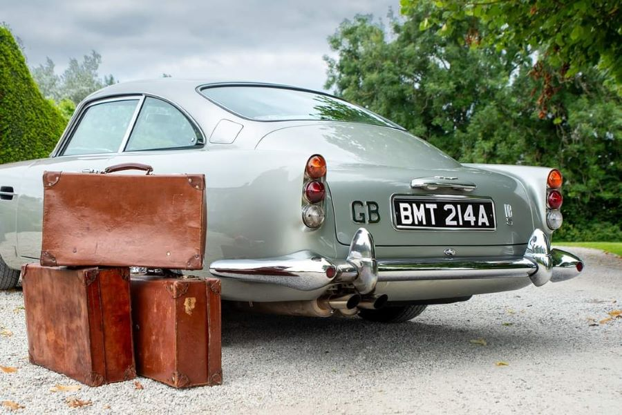 Aston Martin classic car james bond no time to die leather vintage suitcases (5)