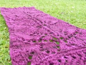 Leaf Short Scarf Knitting Pattern   www.gradianceyarns.co.uk