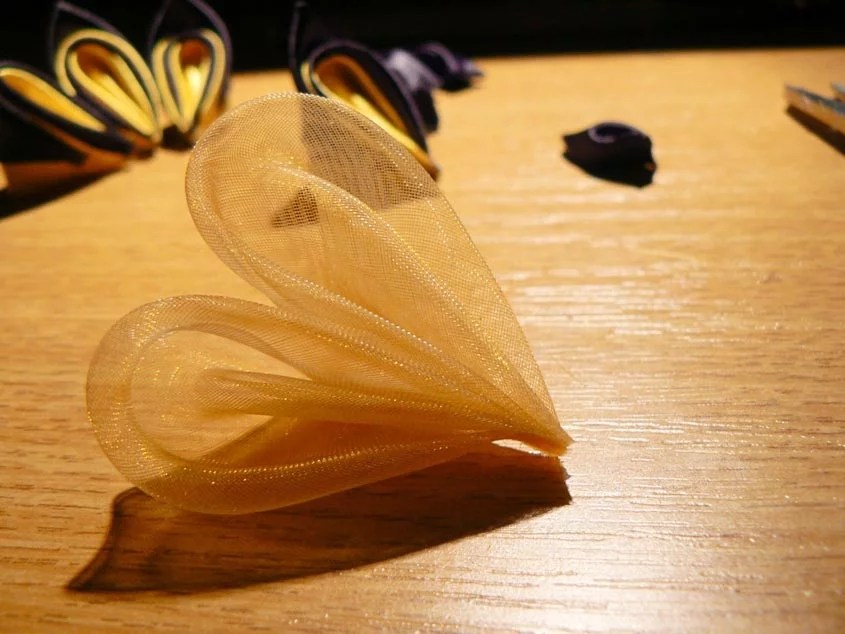 Tutorial albina kanzashi din satin - pasul-13
