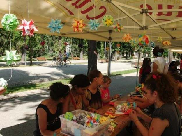 A nice origami workshop in the park.