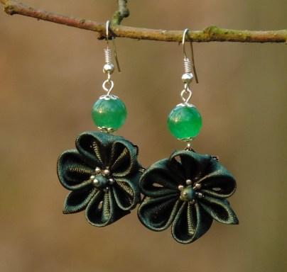 Colectia flori de mina - cercei flori kanzashi satin verde închis
