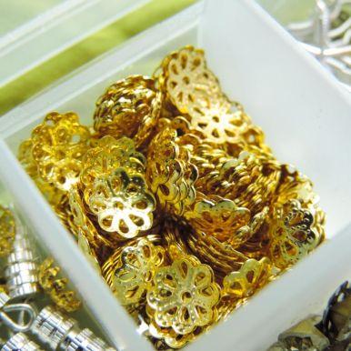 De unde imi iau accesorii metalice pentru bijuterii