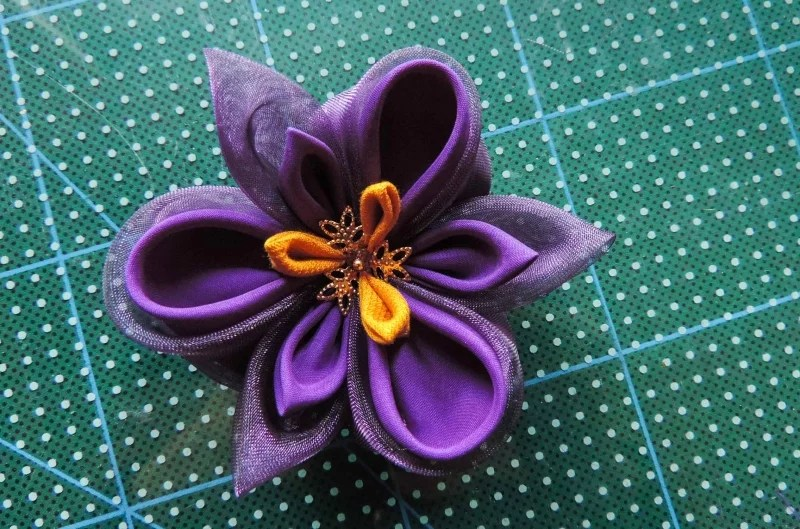 Iris flower tutorial - the finished flower