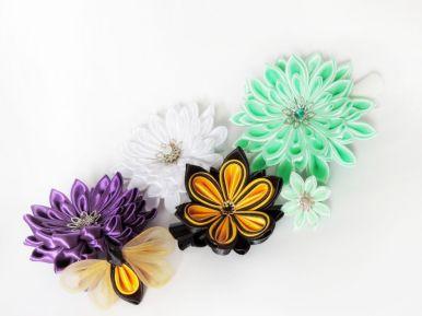 Crizanteme din satin și albina cu floare