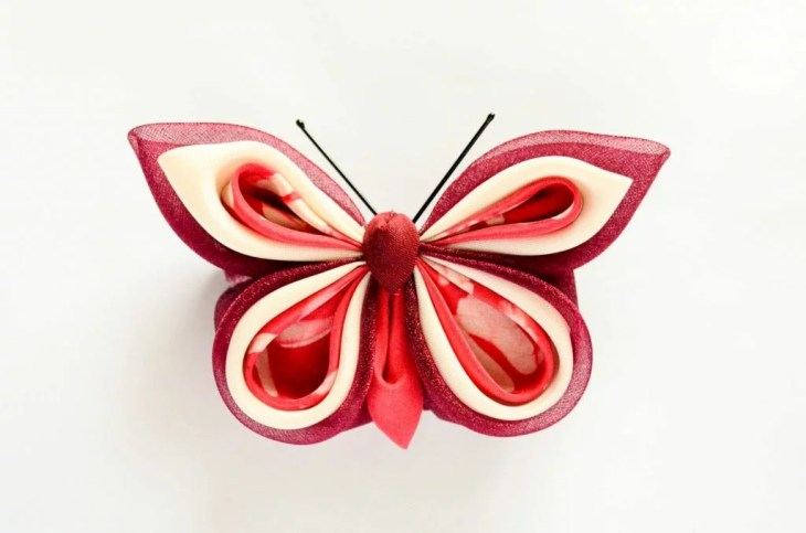 Fluture visiniu roz alb matase organza baza dubla