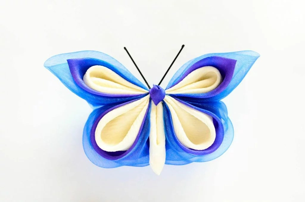 Fluture albastru matase organza baza dubla