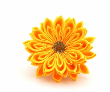 Yellow satin chrysanthemum - DIY tutorial
