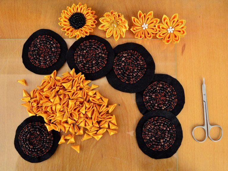 Broderie cu margele si petale de floarea soarelui