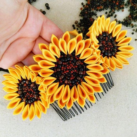 Pieptene cu floarea soarelui cu margele diferite