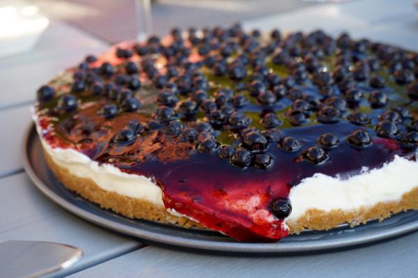 Menyförslag valborg: Efterrätt digestivetårta med blåbärskräm