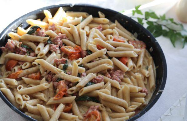 Pasta med salsiccia och spenat