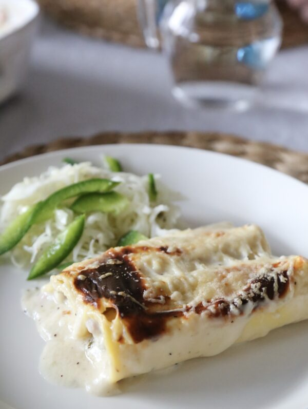 Cannelloni med rökt skinka och rucola