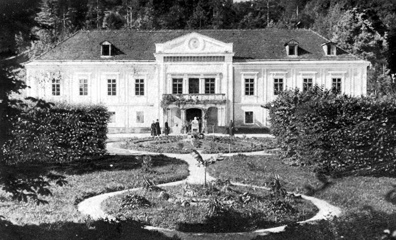 Tariški dvorec pred vojno