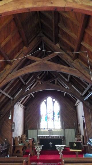St Aidans, scissor truss and altar