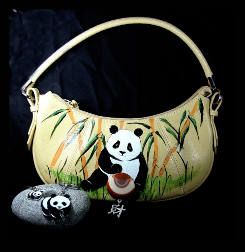 """A NEW """"PAND BAG""""  OR HAND BAG!"""