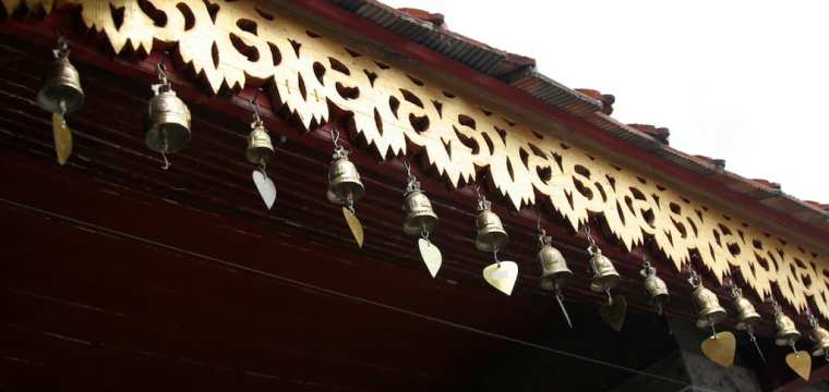 TEMPLE BELLS FROM THAILAND….and more garden decor