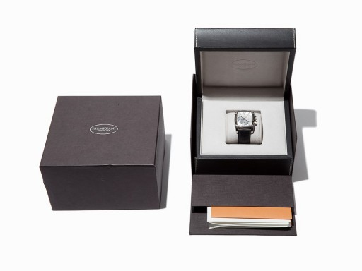This Parmigiani Fleurier Kalpagraphe comes with box and papers