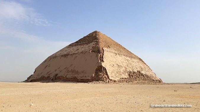 Pyramide Rhomboïdale, plateau de Dachour, Le Caire, Egypte
