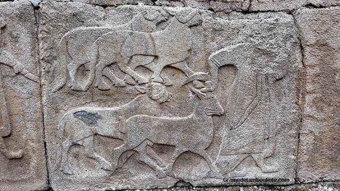 prêtre Hittite conduisant des animaux - Alaca Höyük, près de Hattusa, capitale Hittite, haut relief, orthostase, XIV av. JC,