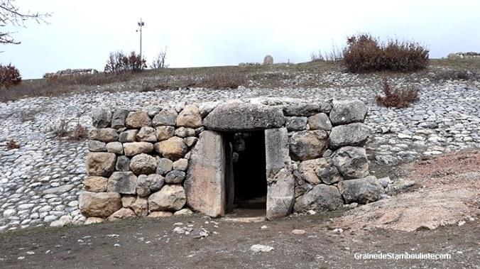 yerkapi, porte des sphinx, poterne, pyramide, hattusa, capitale Hittite