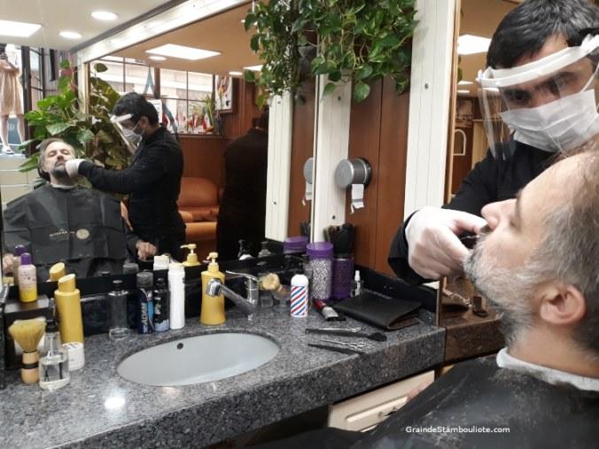 barbier istanbul turquie pendant confinement covid, jour de réouverture