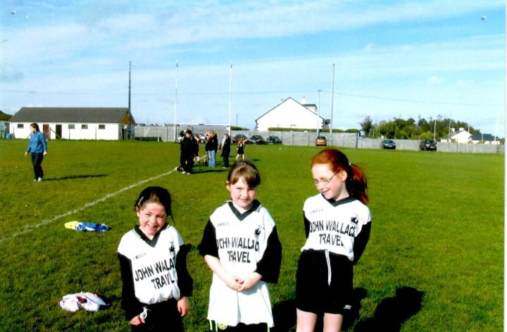 Grainne Mhaols trio Sorcha O Malley, Amy Gannon and Orlagh Kane pictured at the 2009 West Galway U11 Championships in Leitir Moir. Grainne Mhaols were defeated by the host club in the C final.