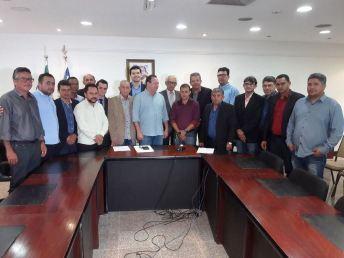 Encontro do prefeito e vereadores de Grajaú com o vice-governador 11