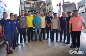 Grajau recebe duas ambulancias do SAMU e uma retroescavadeira 12