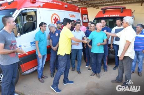 Grajau recebe duas ambulancias do SAMU e uma retroescavadeira 16