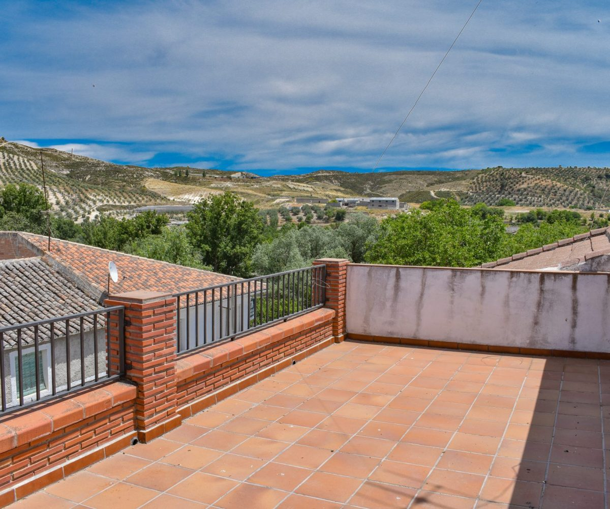 GR1620, Arenas del rey, €55,000, for sale, town house, lake Bermejales, Alhama de Granada, Granada estate agency