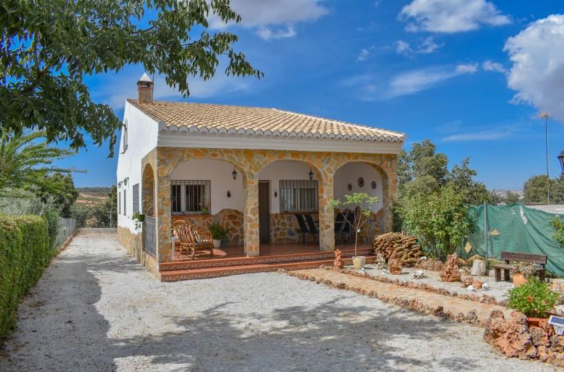 Granada estate agency, for sale detached villa. Alhama de granada