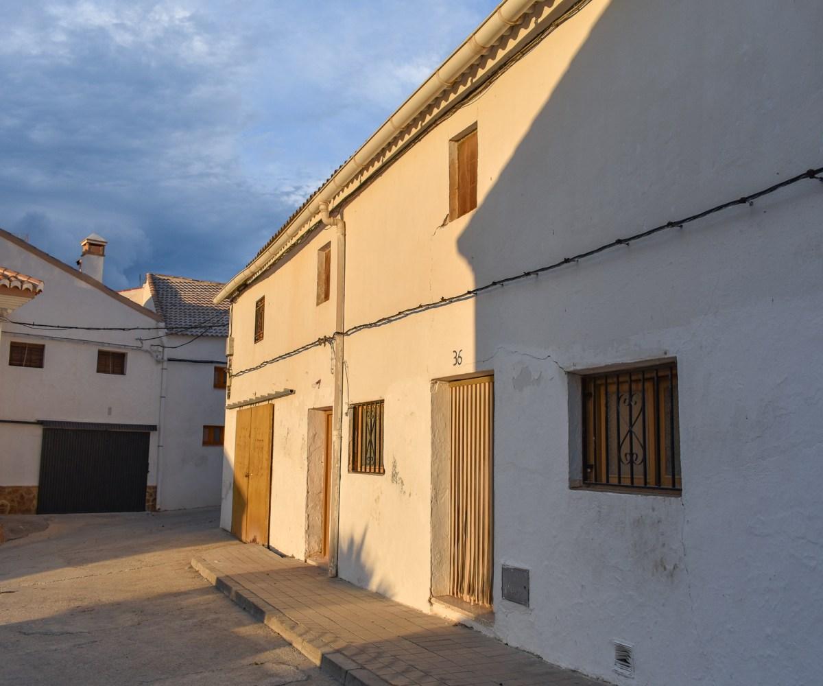 Town house for sale in Alhama de Granada, Granada estate agency based in Alhama de granada with over 100 properties for sale in Alhama de granada, alhama de granada real estate agency