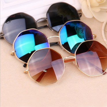Free-Shipping-Retro-round-sunglasses-summer-fashion-trend-for-men-and-women-round-diamond-octagonal-eyeglass