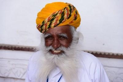 L'homme à la barbe blanche