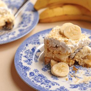 Screen+Shot+2013 03 25+at+8.03.36+AM 320x320 - Banana Pudding Tiramisu