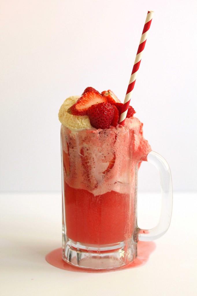 strawberry ice cream float 11 682x1024 - Strawberry Ice Cream Float