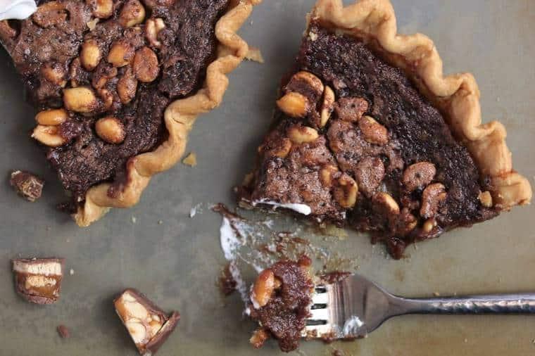candy bar fudge pie1 4 - Candy Bar Fudge Pie