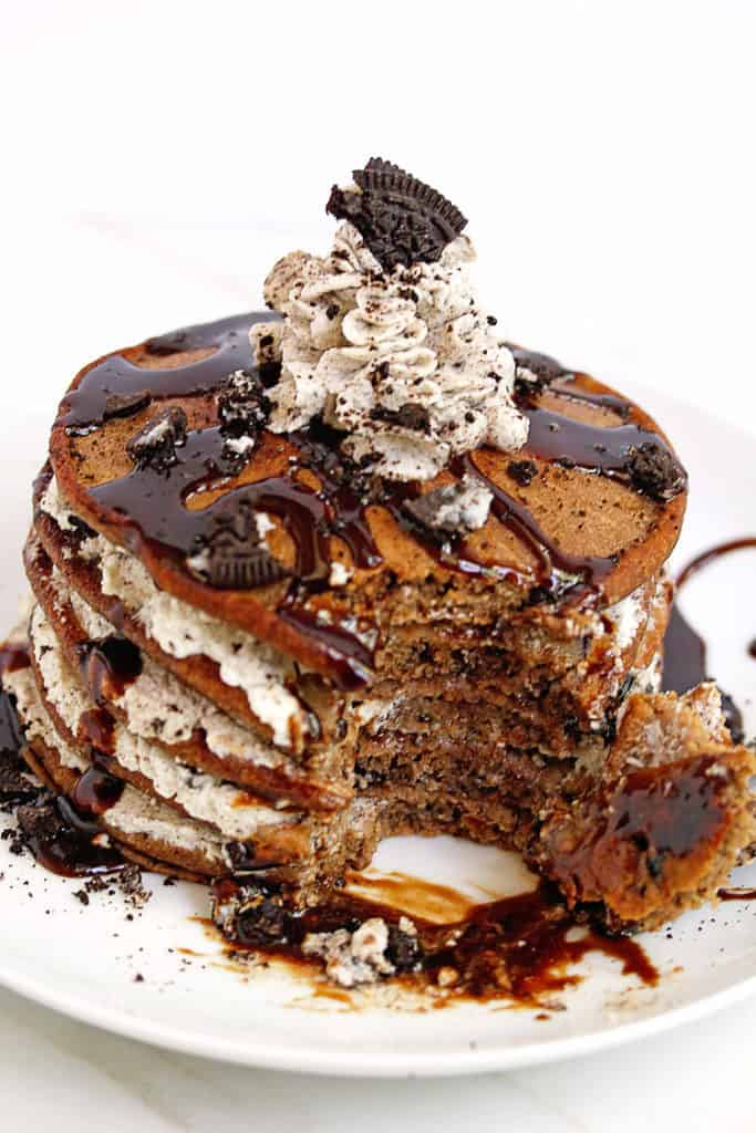 oreo pancakes cookies and cream pancakes 4 683x1024 - Oreo Pancakes (or Cookies and Cream Pancakes)